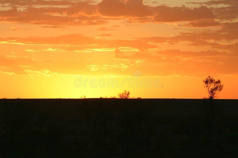 Puesta del sol sobre las escapadas imagen de archivo libre de regalías