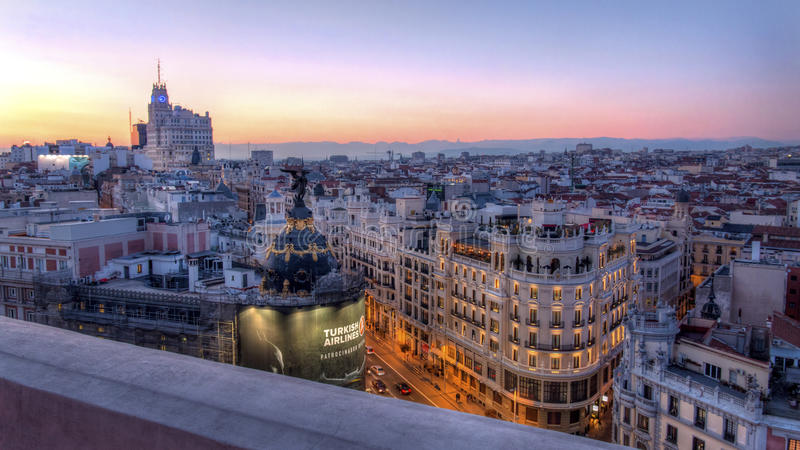 Puesta del sol sobre Madrid fotografía de archivo