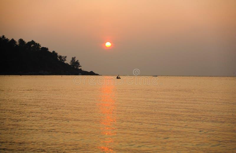 Puesta del sol tropical Tailandia imagen de archivo