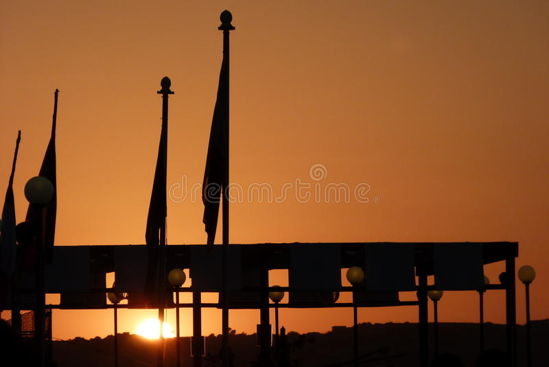 Puesta del sol una Malta imagenes de archivo