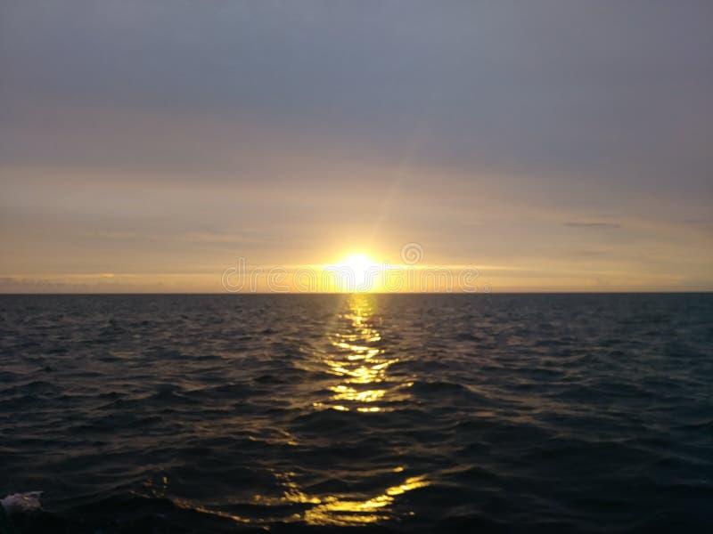 Puesta del sol del verano imagen de archivo