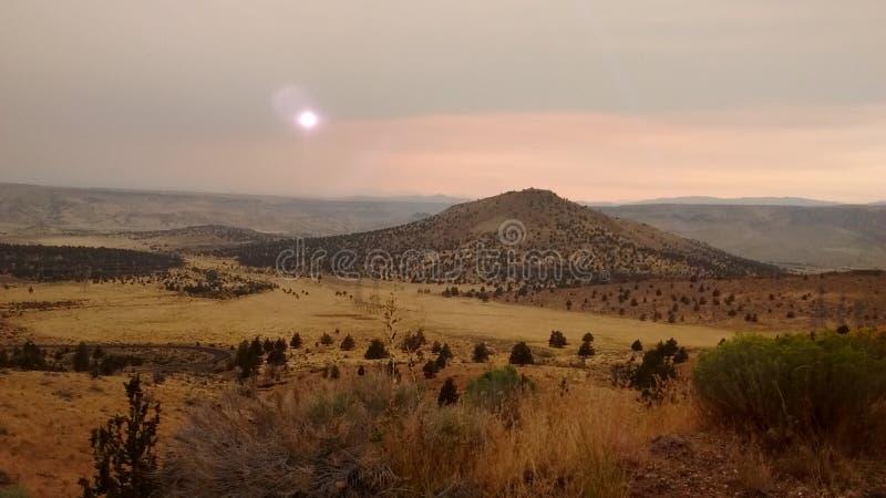 Puestas del sol sobre Madras, Oregon imágenes de archivo libres de regalías