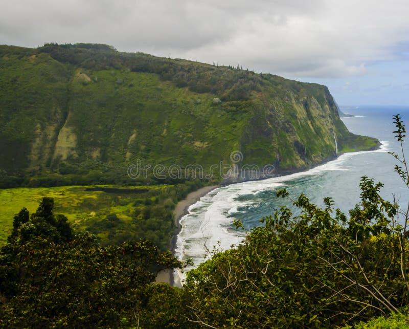 Puesto de observación del valle de Waipio en la isla grande de Hawaii fotografía de archivo