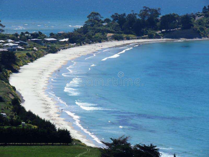 Puesto de observación de Puketeraki de la playa de Karitane foto de archivo
