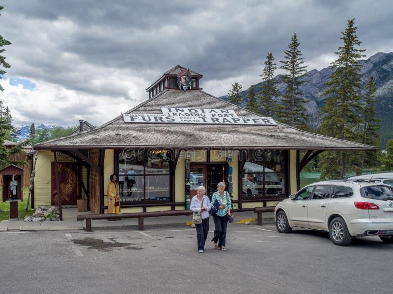 Puesto de operaciones indio en la ciudad de Banff fotos de archivo