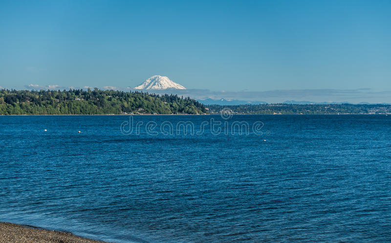 Puget Sound en Berg stock fotografie