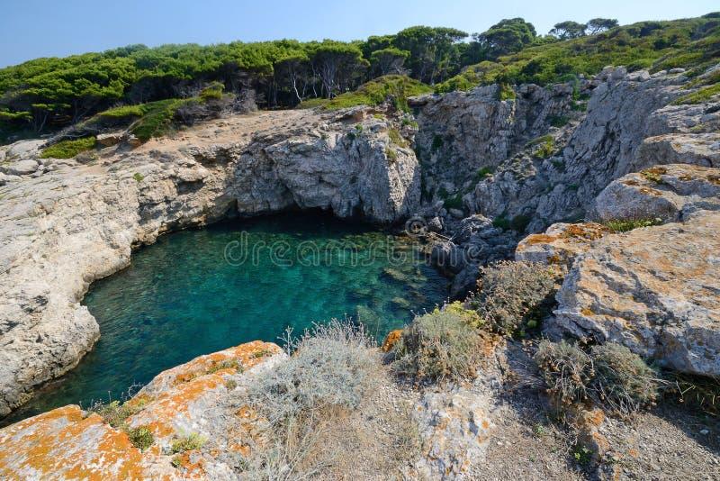 Puglia, Itália, August2018, ilhas de Tremiti imagens de stock
