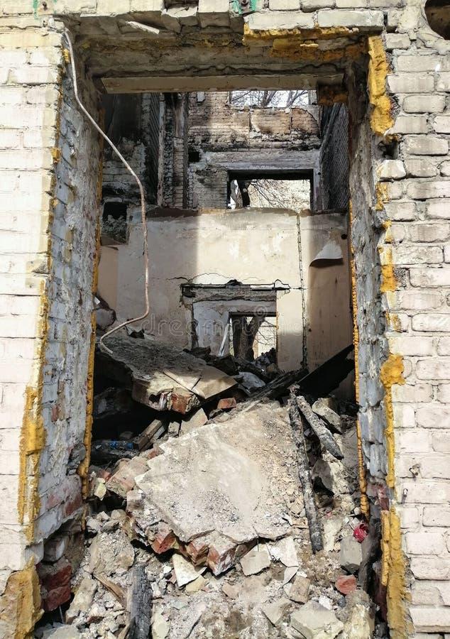 Puin van een het leven vernietigd huis royalty-vrije stock foto's