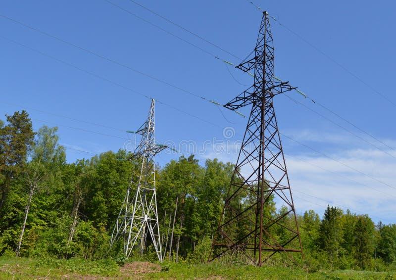 Puissance, l'électricité, énergie, tour, électrique, câble, ligne, ciel, pylône, tension, haut, élém. élect., bleue, fil, industr photos stock