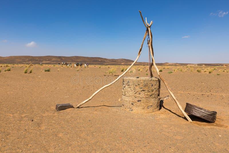 Puits d'eau dans le désert du Sahara photo libre de droits