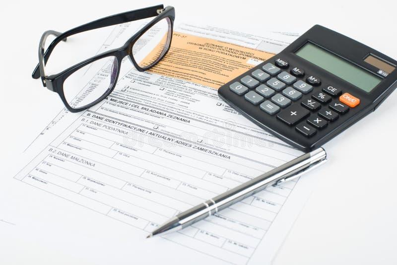 Puits de déclaration d'impôts photographie stock