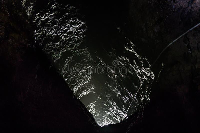 Puits de mine vertical, Iwami Ginzan images libres de droits