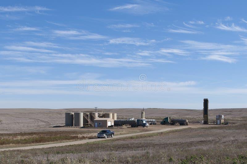 Puits de pétrole du Dakota du Nord image stock