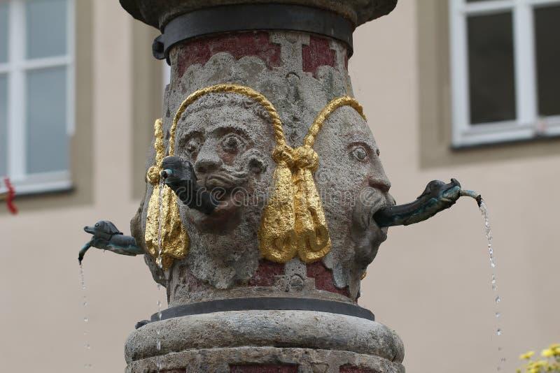 Puits urbain dans le der Tauber, Allemagne d'ob de Rothenburg photos stock