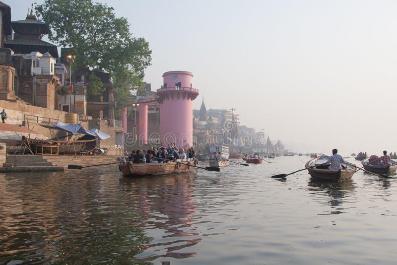 Puja de seguimento de Ganga e de manhã fotos de stock royalty free