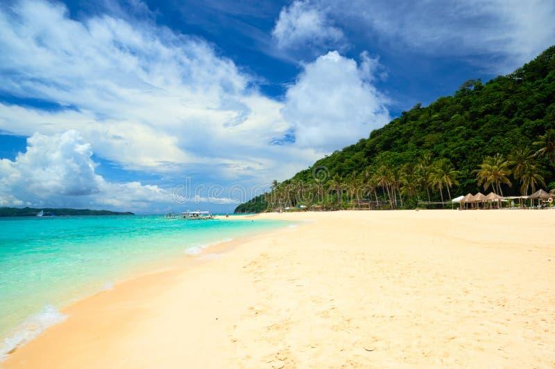 Puka Beach von Boracay-Insel, Philippinen lizenzfreies stockbild