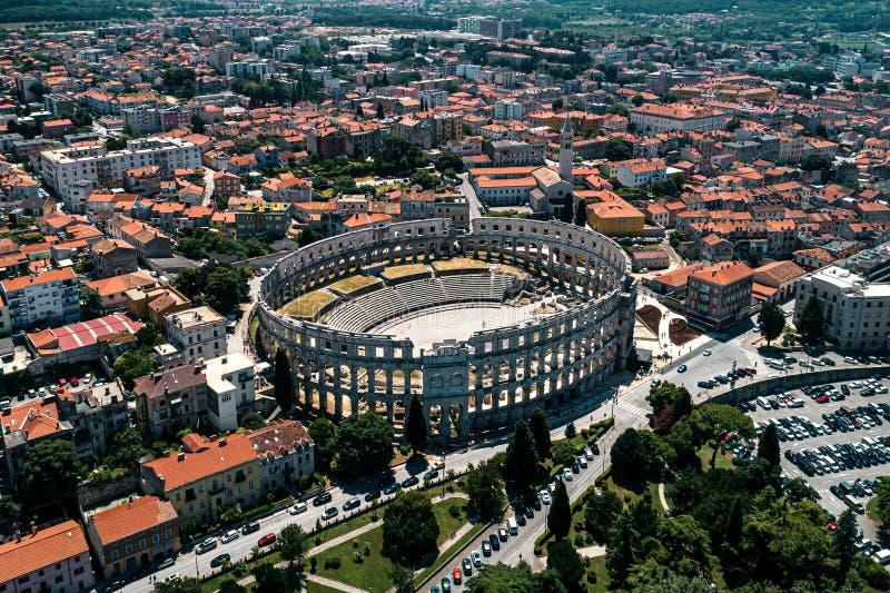 Pula Arena in de oude stad van Kroatië en Pula van de stad stock foto's