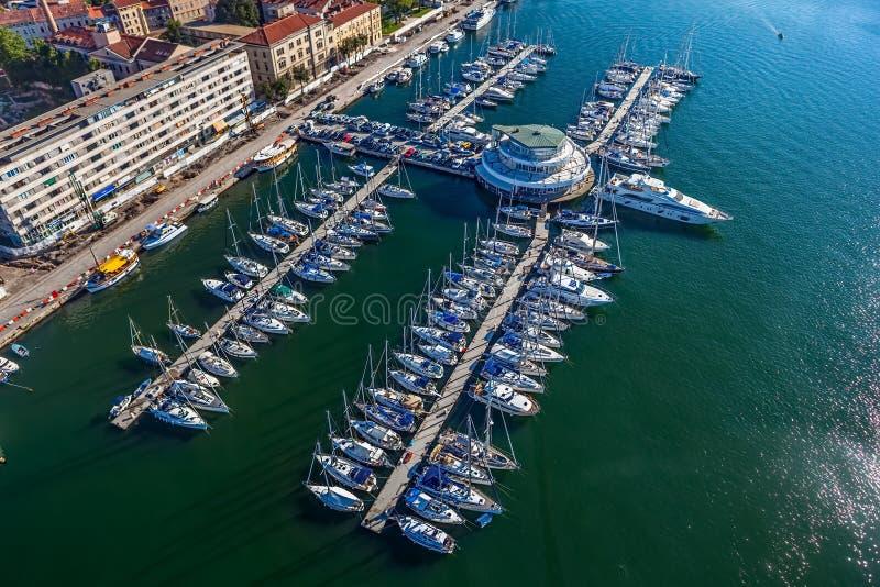 Pulas del puerto deportivo fotos de archivo