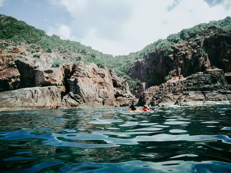 Pulau槟榔河的洞在Redang海岛上的在一个明亮的晴朗的夏日 库存图片