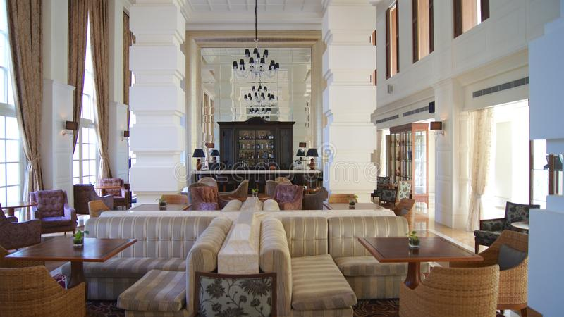 PULAU LANGKAWI, MALEISIË - 4 APRIL 2015: Binnen het DANNA-luxehotel op Langkawi-eiland royalty-vrije stock afbeeldingen