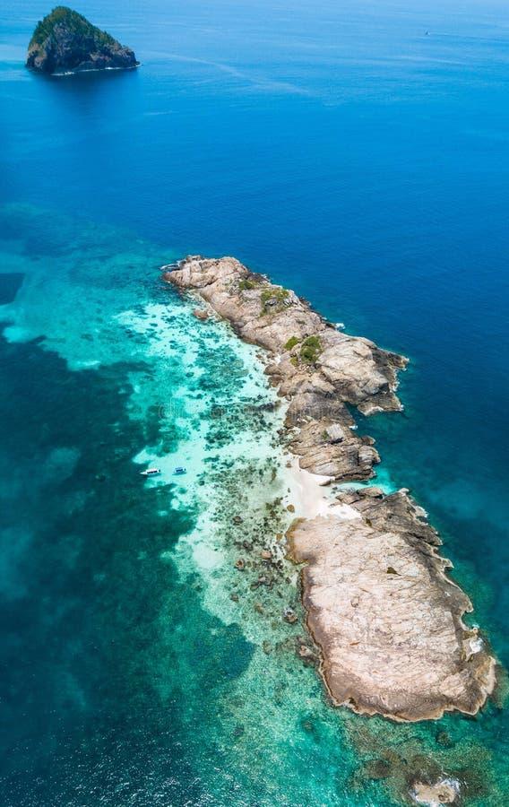 Pulau Tokong Kemudi, lokalisierte Insel nah an Rawa-Insel in Malaysia stockfoto