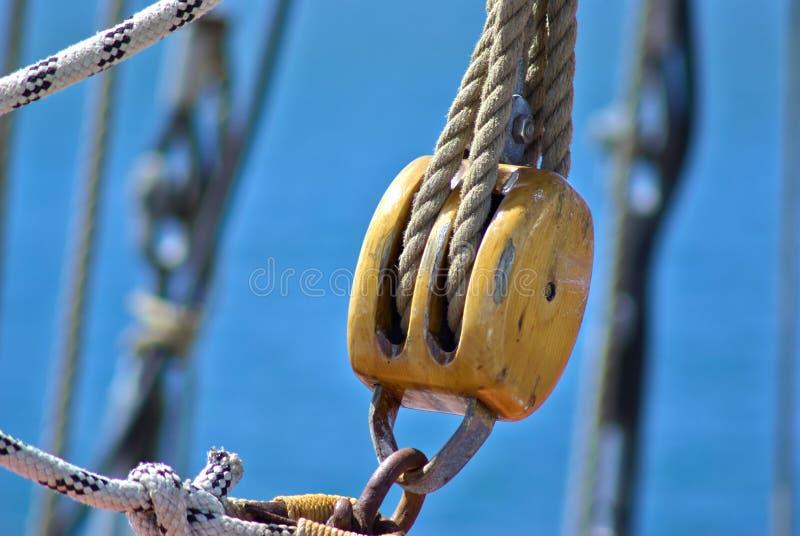 Puleggia delle corde delle vele immagine stock libera da diritti