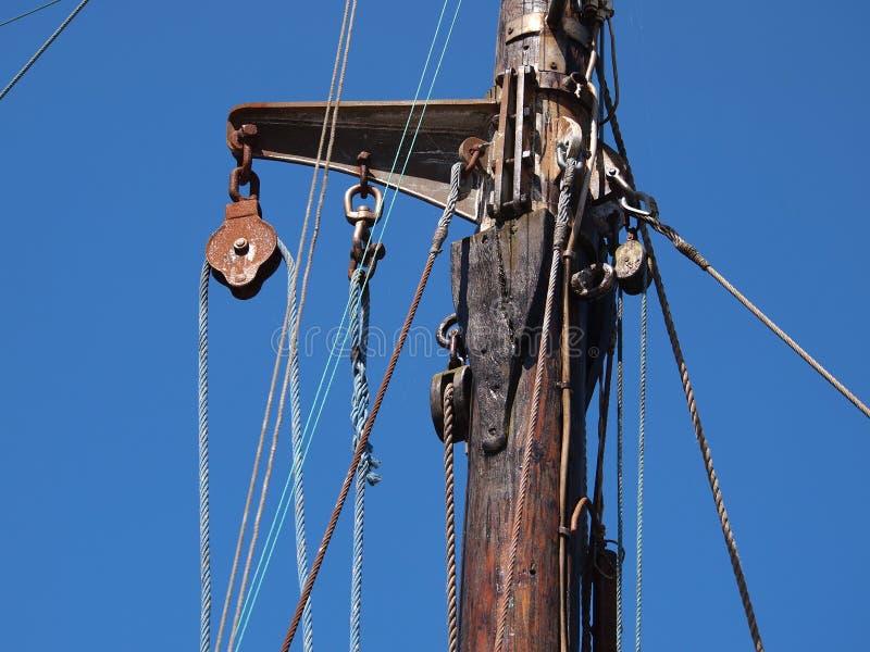 Puleggia delle corde delle vele fotografia stock
