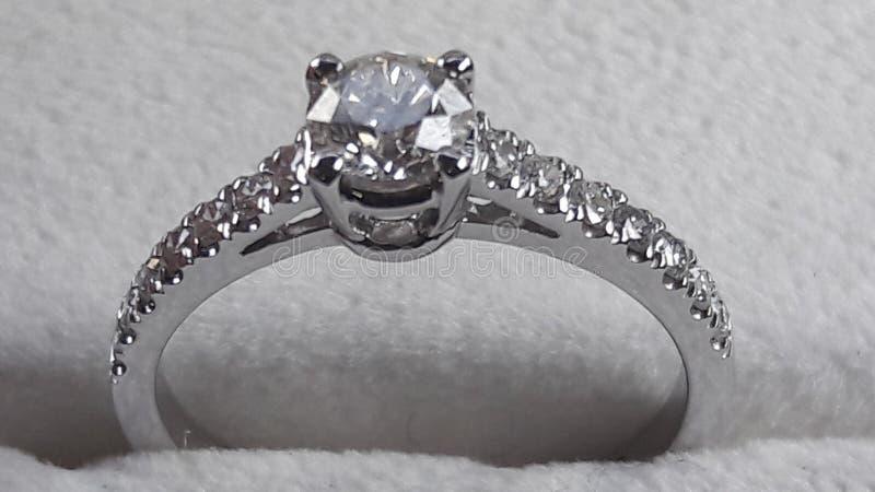 Pulisca il diamante immagine stock