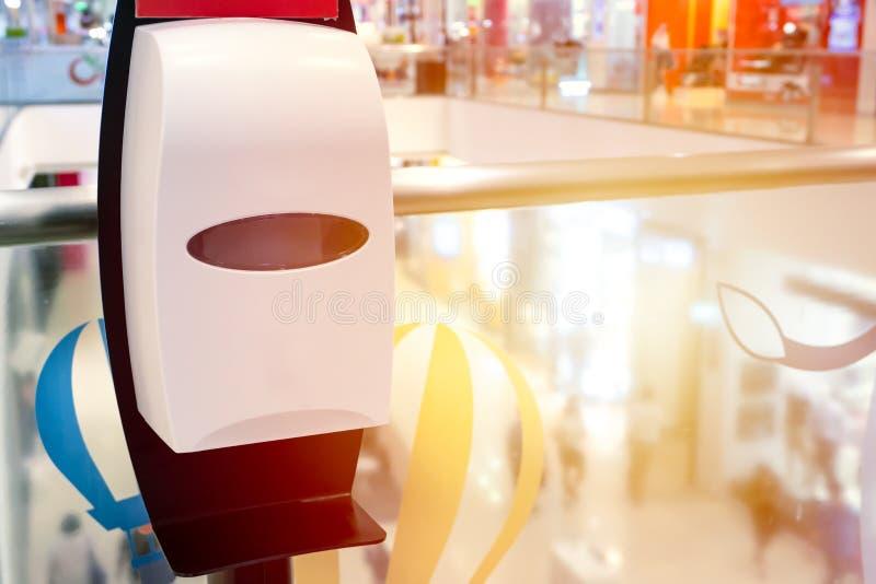 Pulitore automatico dell'erogatore del gel dell'alcool della mano immagini stock libere da diritti