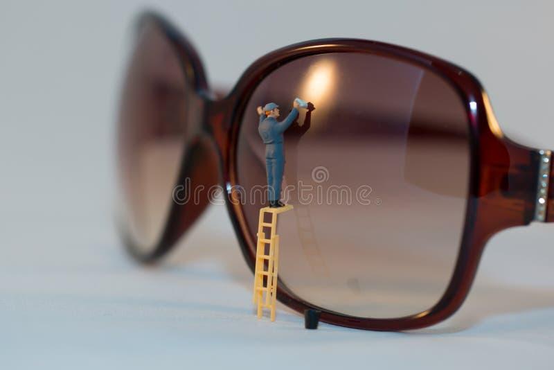 Pulitore di vetro dell'occhio immagini stock libere da diritti