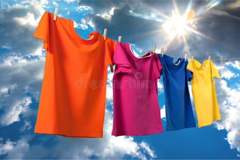 Pulizia dei vestiti fotografie stock