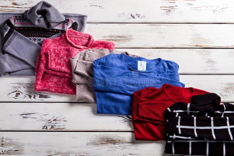 Pullover von Baumwolle und von Wolle lizenzfreie stockbilder