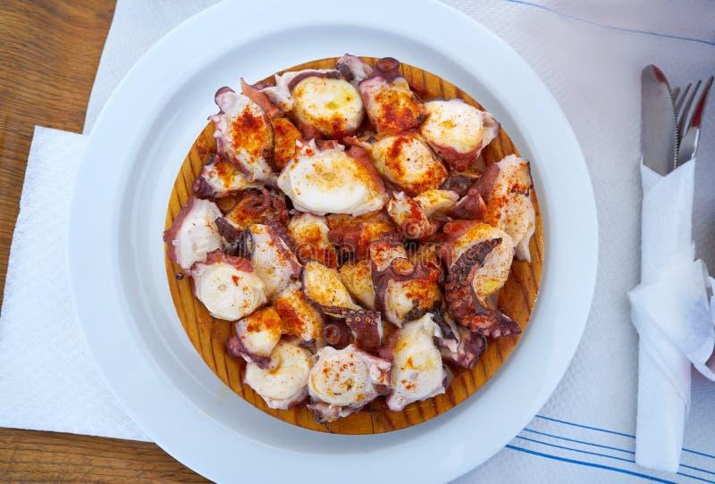 Pulpo een octopus van La gallega stock afbeeldingen