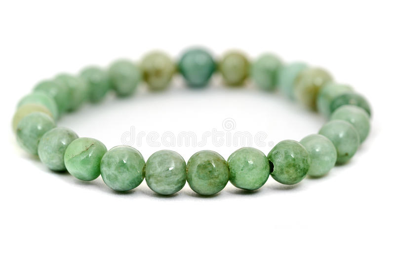 Pulsera del jade aislada en blanco foto de archivo libre de regalías