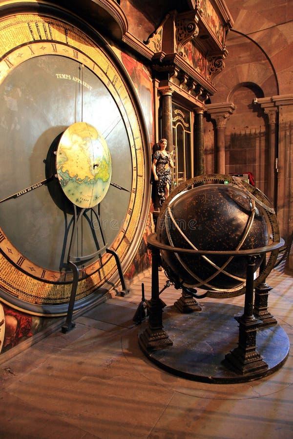Pulso de disparo astronômico - Notre Dame em Strasbourg imagem de stock