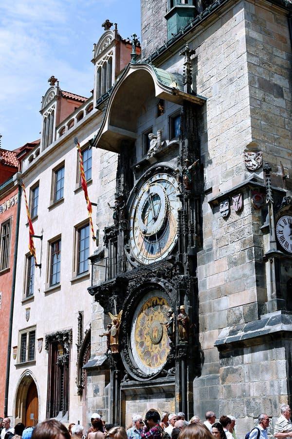 Pulso de disparo astronômico ou Orloj de Praga na câmara municipal velha em Praga imagens de stock royalty free