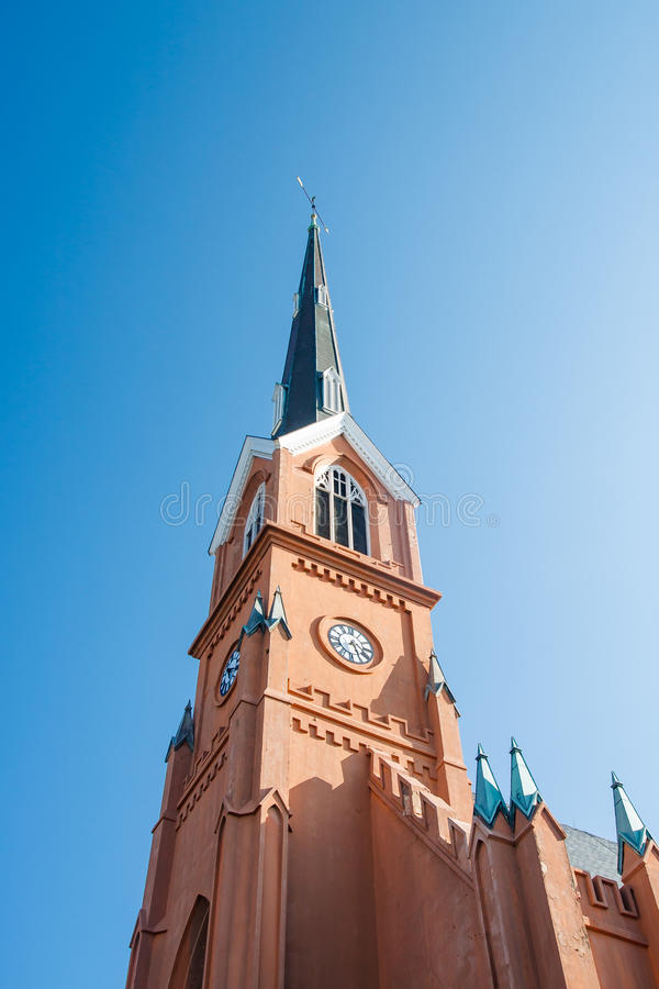 Pulso de disparo na torre da igreja luterana em South Carolina imagem de stock royalty free