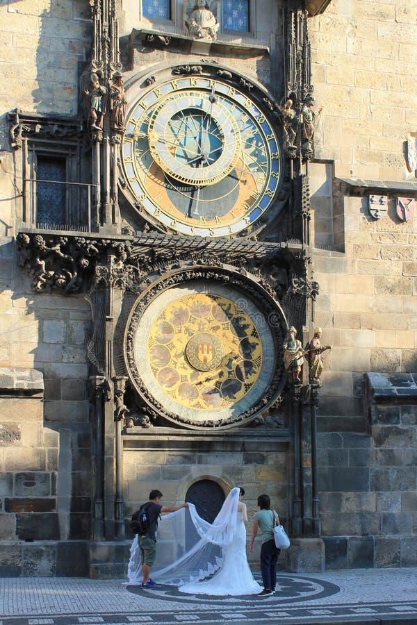 Pulso de disparo Orloj em Praga República Checa fotografia de stock