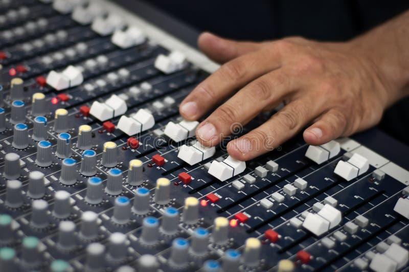 Pult sonore moderne de mélange images libres de droits