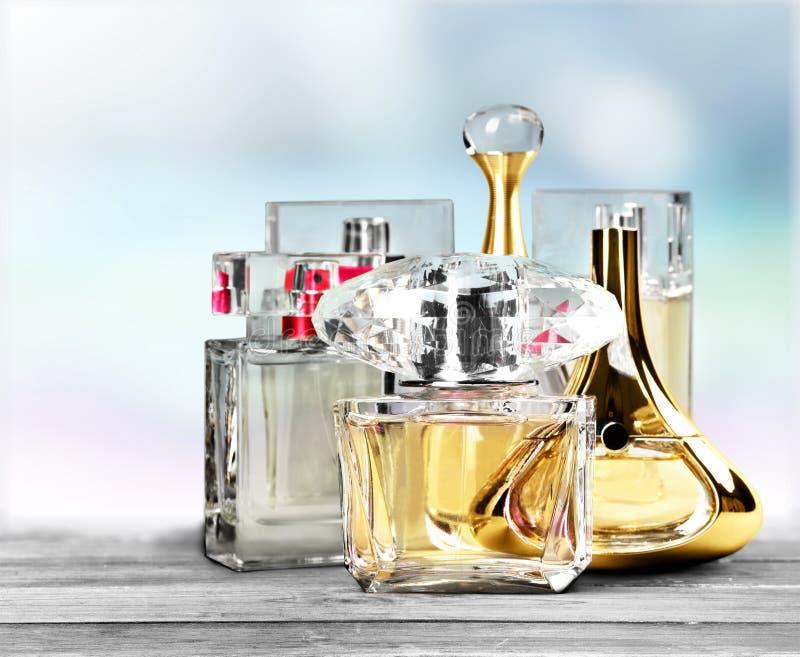 Pulvérisateurs de parfum images stock