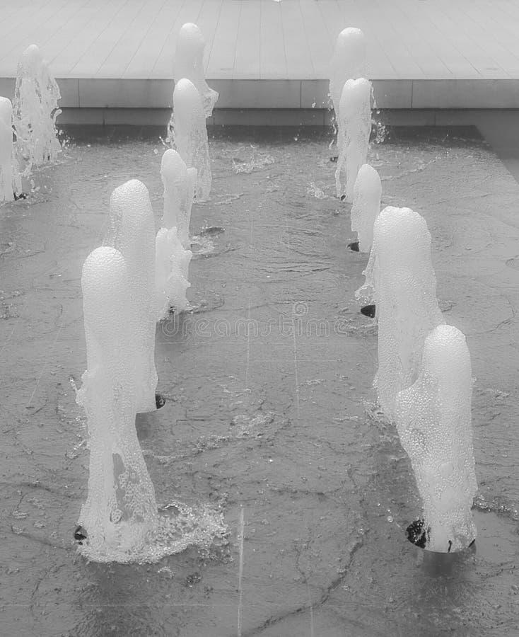 Pulverizadores de água de ascensão em uma associação imagem de stock royalty free