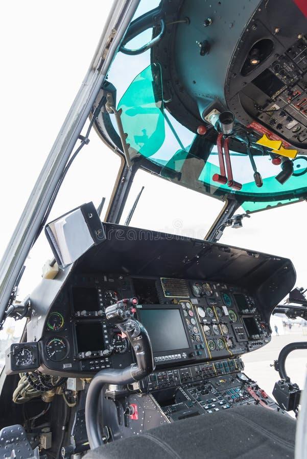 Puma superbe d'habitacle d'hélicoptère images libres de droits