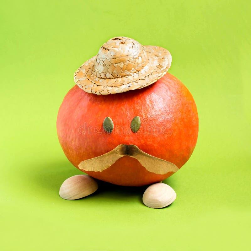 Pumpa i form av mannen med mustaschen royaltyfri bild