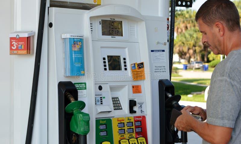Pumpen Shell Fuel Dispensers /Gas lizenzfreies stockbild