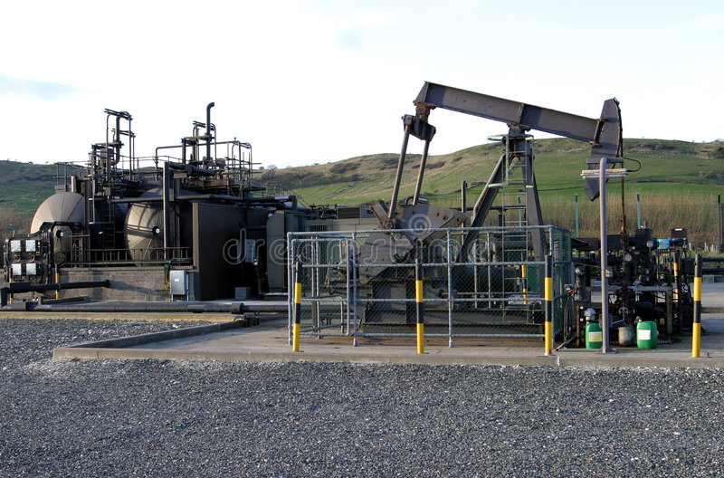 Pumpendes Schmieröl stockbild