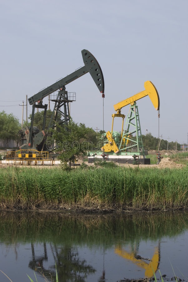 Download Pumping unit stock photo. Image of well, energy, unit - 5527772