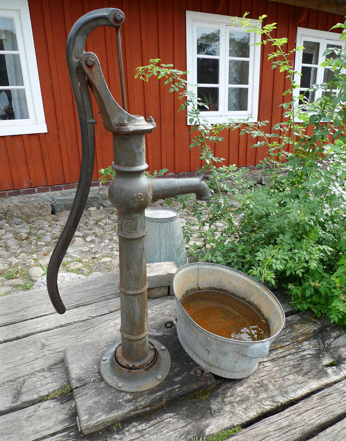 pumpvattenwell arkivbild