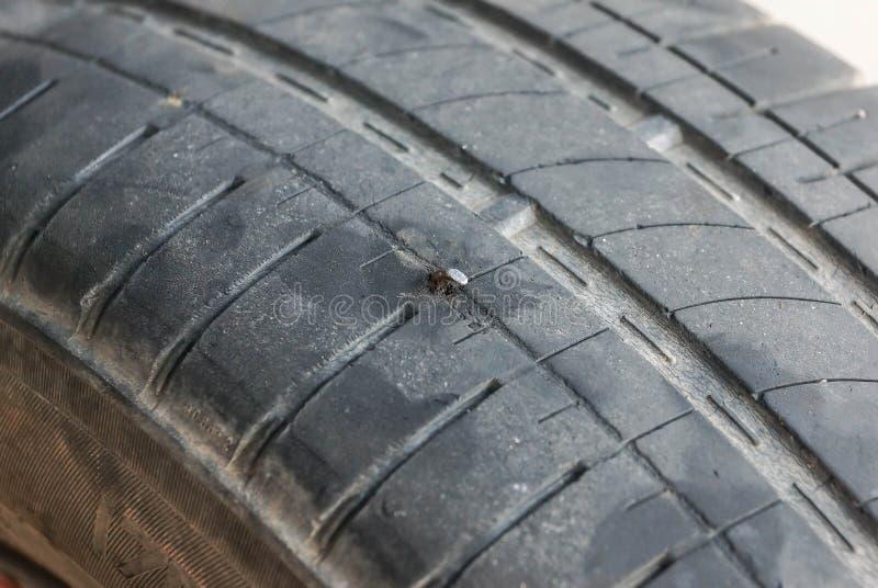 Punctura do pneu imagem de stock