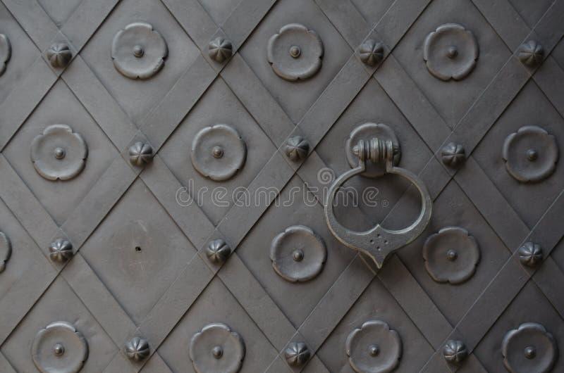 Download Punho da porta do ferro imagem de stock. Imagem de detalhe - 26506049