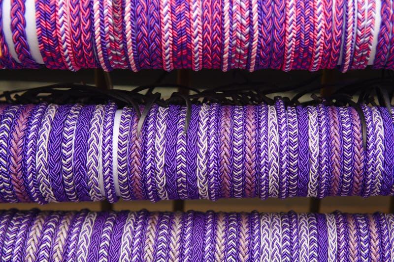 Punhos ultravioletas Fundo textured roxo Feito mão imagens de stock
